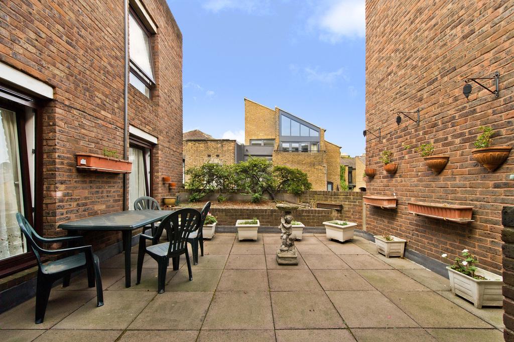 Garden Walk London: 3 Bedroom Flat For Sale In Odhams Walk, Covent Garden