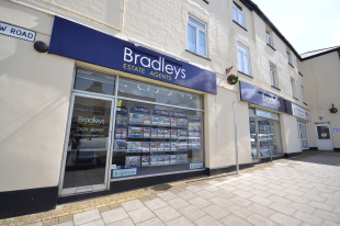 Bradleys Property Rentals, Callingtonbranch details