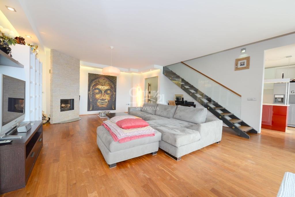 4 bedroom Apartment for sale in Ljubljana...