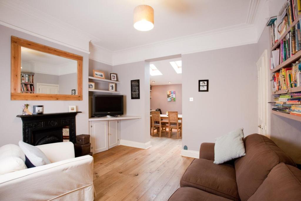 Home Interior Design Ideas Uk: Lilac Sitting Room Design Ideas, Photos & Inspiration