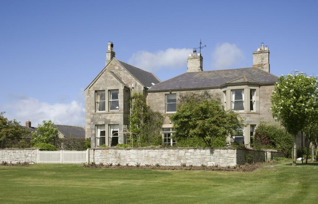 6 Bedroom Farm House To Rent In Castle Heaton House