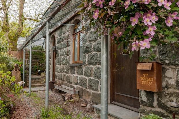 3 bedroom barn conversion for sale in Criccieth, Gwynedd ...
