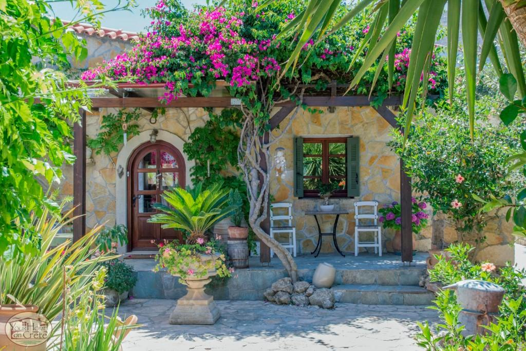 3 bedroom Detached Bungalow in Afrata, Chania, Crete