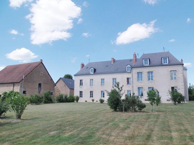 Castle for sale in Bonnat, Creuse, Limousin