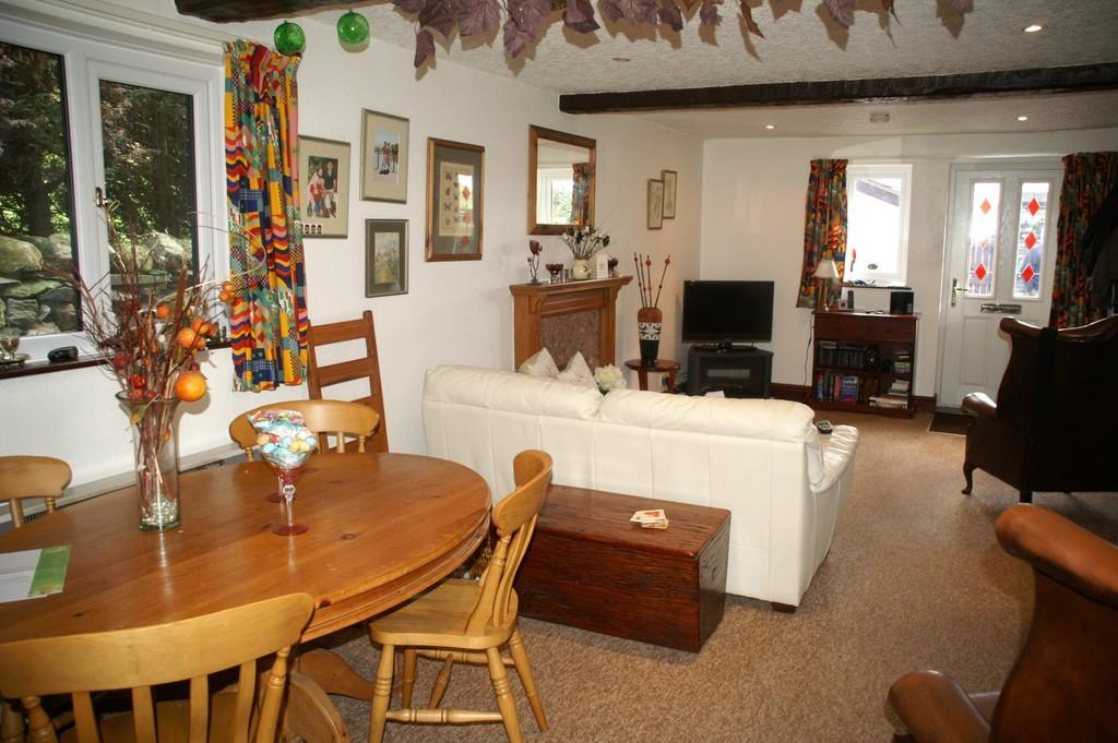 4 Bedroom Property For Sale In Cragg Barn Amp Far End