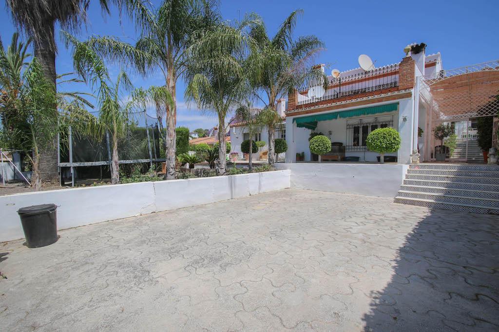 Detached Villa for sale in Coín, Málaga, Andalusia