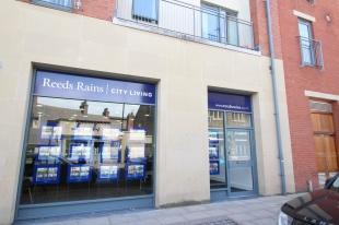 Reeds Rains, Sheffield City Livingbranch details