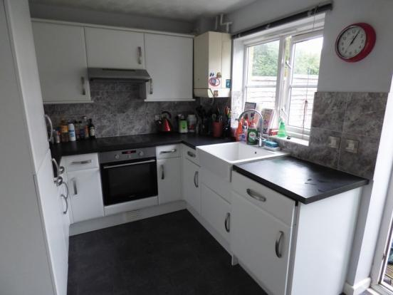 kitchen design weston super mare 2 bedroom terraced house for in locking castle 361