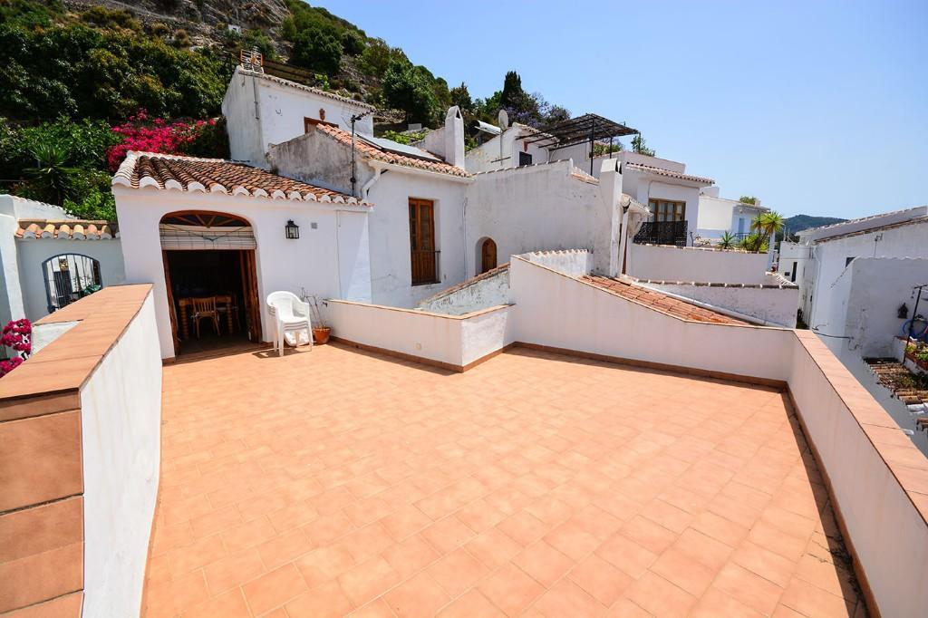 2 bedroom Town House for sale in Frigiliana, Málaga...