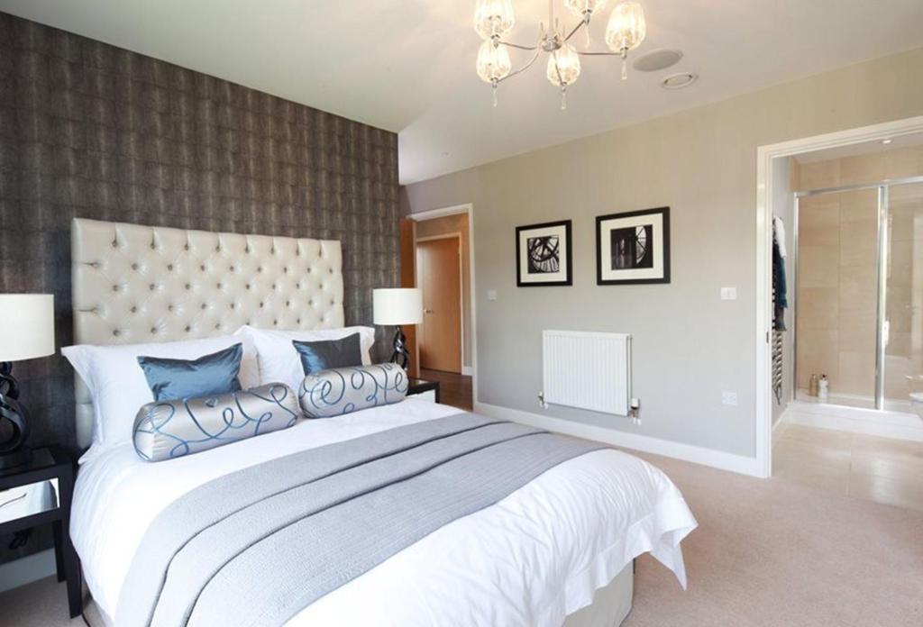 bedroom ensuite design ideas home decoration live. Black Bedroom Furniture Sets. Home Design Ideas