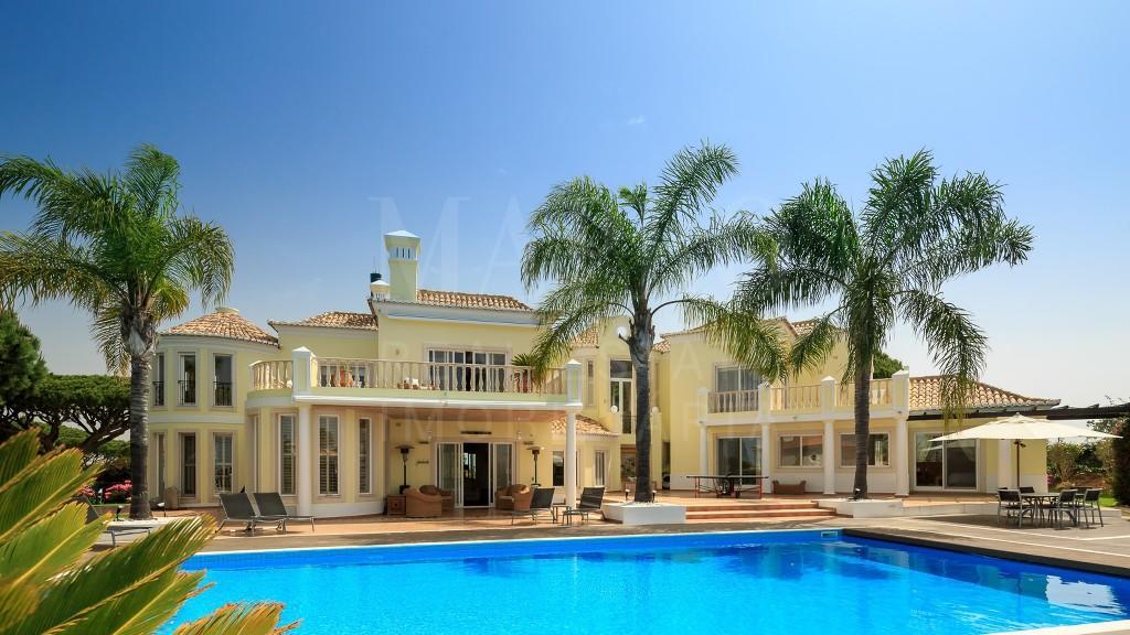 Villa for sale in Vale do Lobo, Algarve