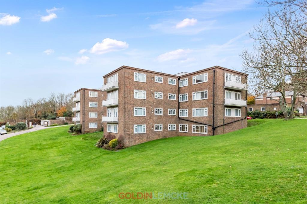 3 bedroom flat for sale in dyke road avenue, hove, bn3