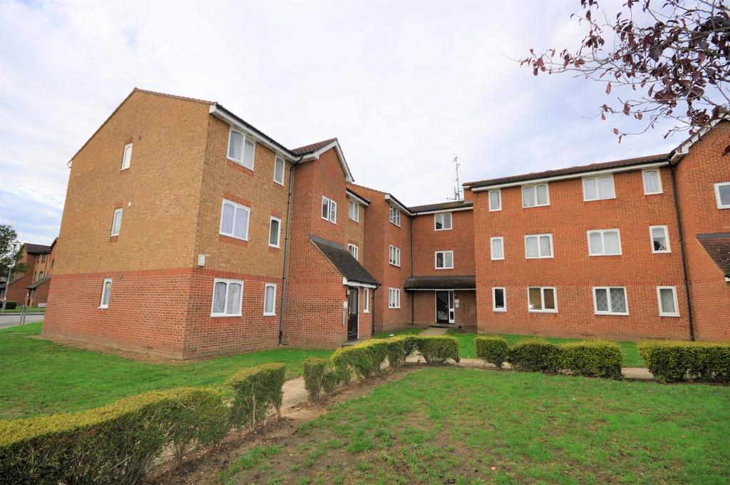1 bedroom flat for rent in Honey Close, Dagenham, RM10
