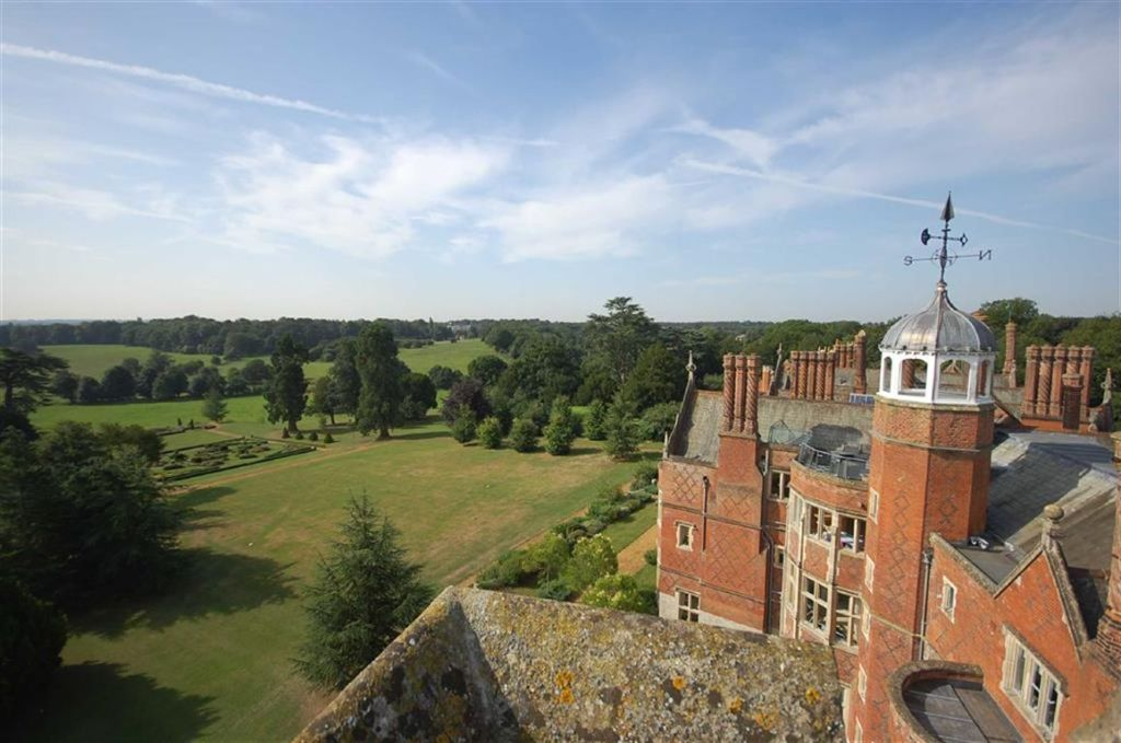 2 Bedroom Apartment For Sale In Goldings Hall Hertford