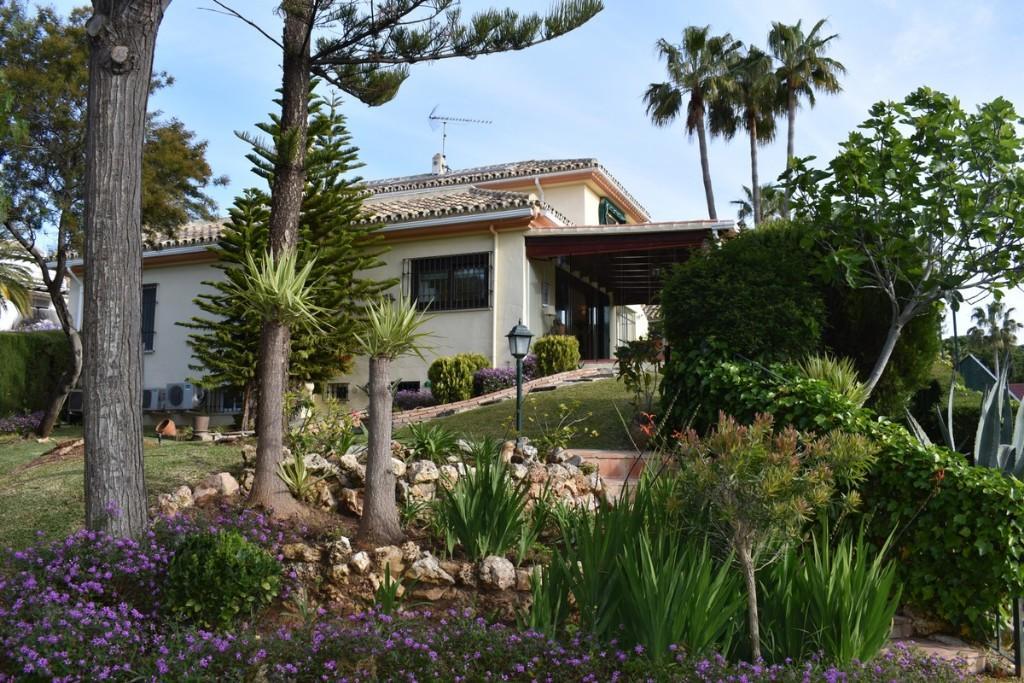 5 bed Detached property for sale in Elviria (Marbella)...