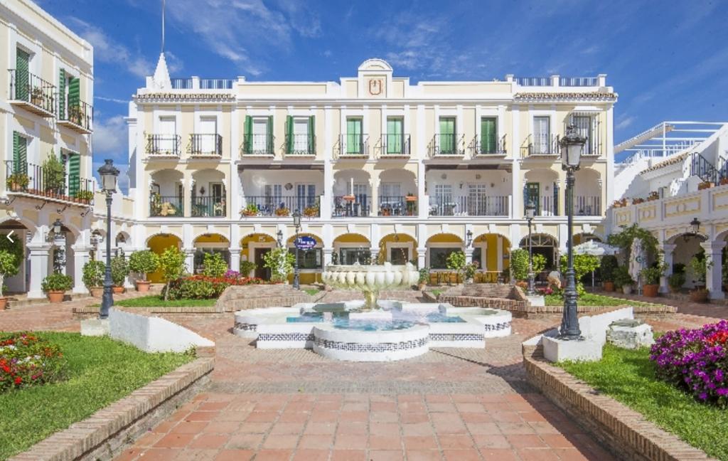 Town House for sale in Nueva Andalucia, Málaga...