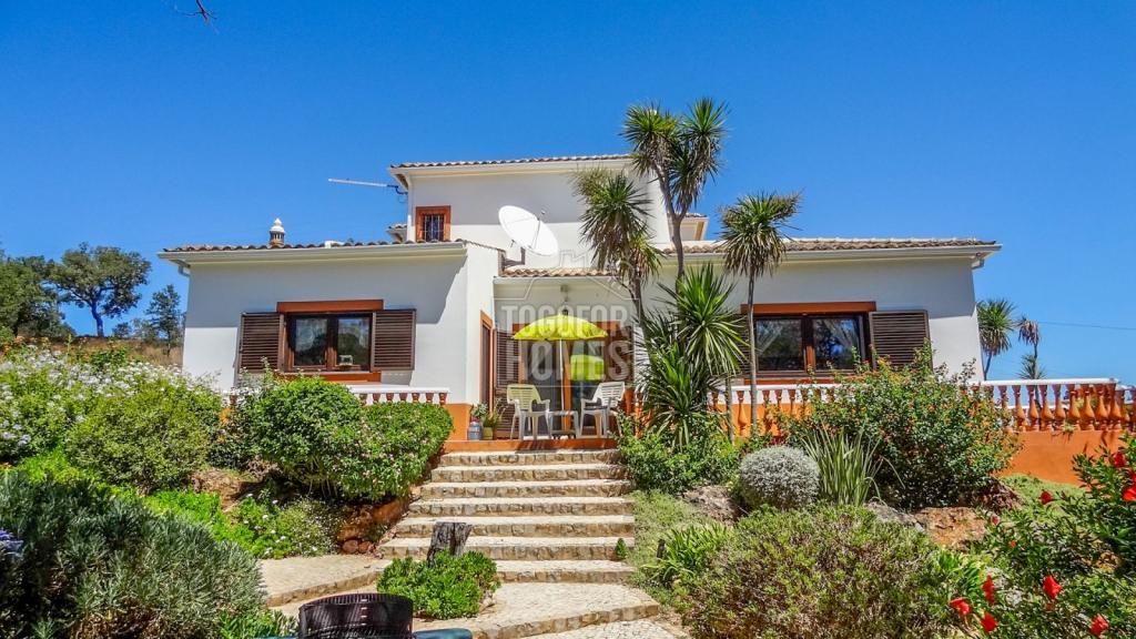 3 bed Villa for sale in Algarve...
