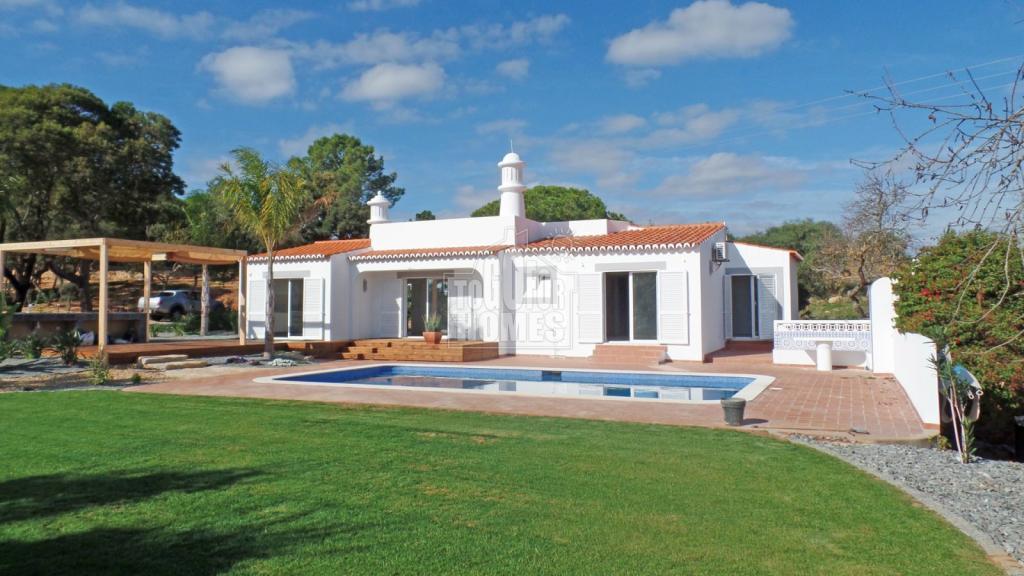 3 bed Villa in Algarve, Carvoeiro