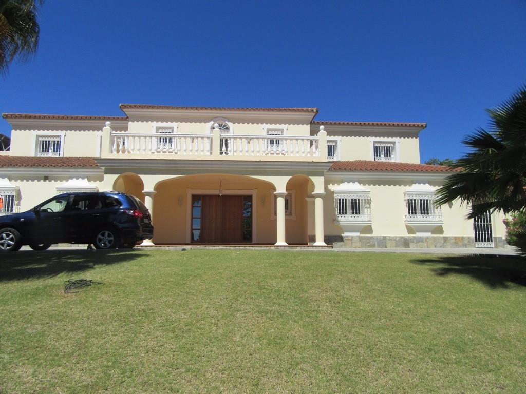 5 bed Detached Villa in Sotogrande, Cádiz...