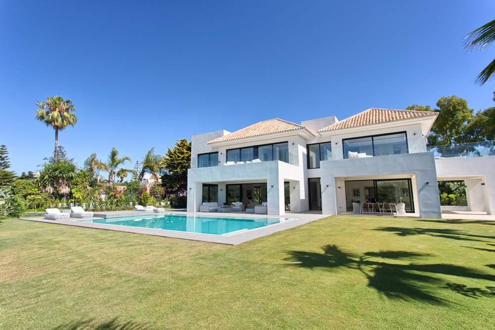 5 bed Villa for sale in Andalucia, Malaga...