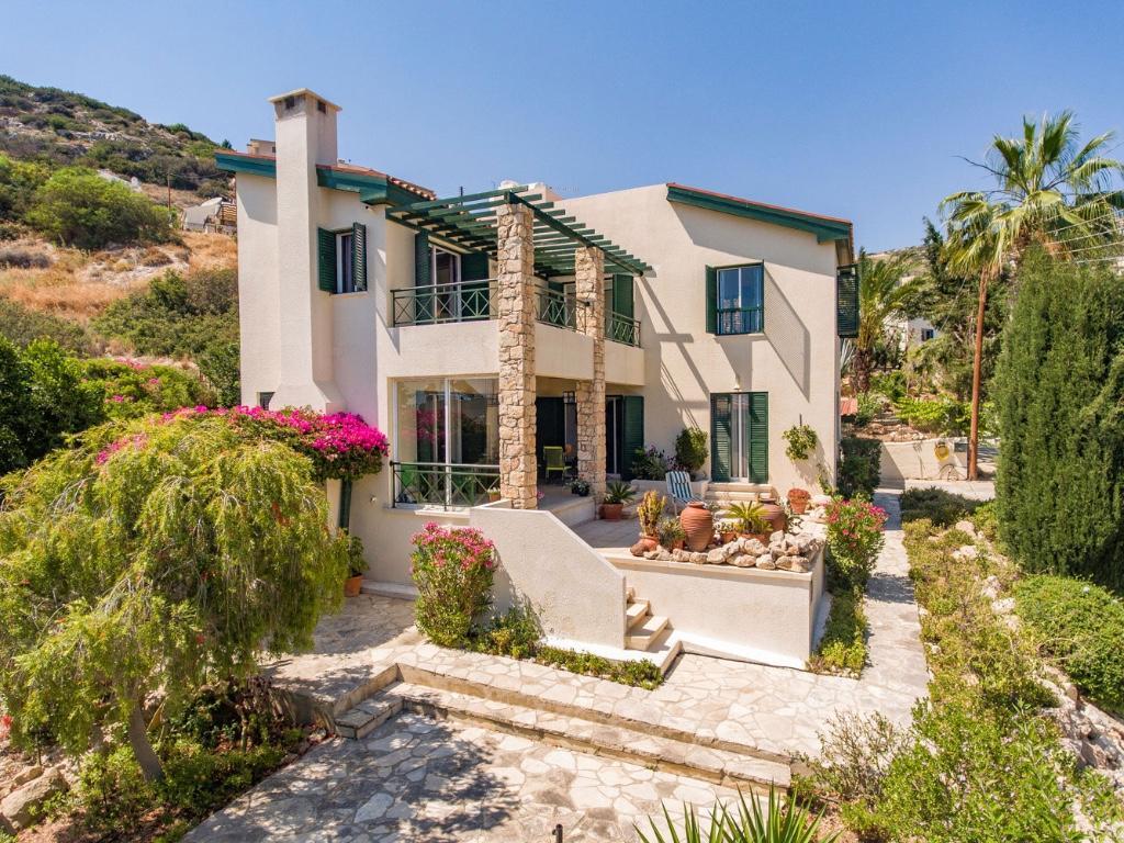 3 bedroom property in Peyia, Paphos