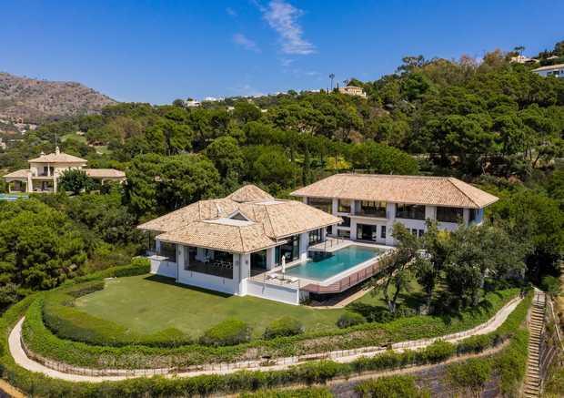Villa for sale in La Zagaleta, Benahavis...