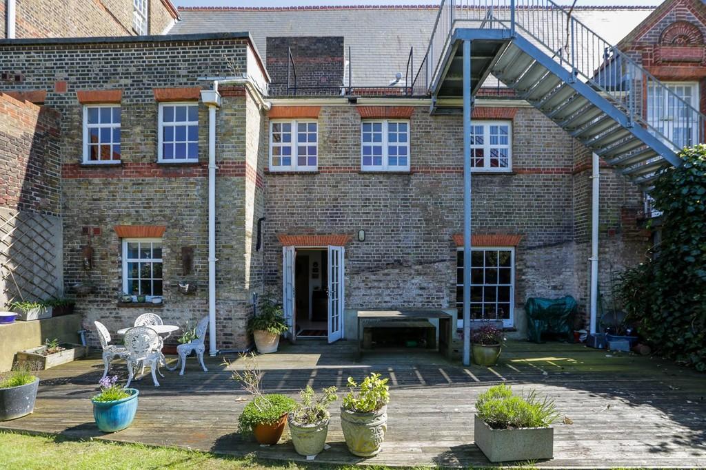 2 bedroom flat to rent in hanover lofts brighton bn2 - 2 bedroom flats to rent in brighton ...