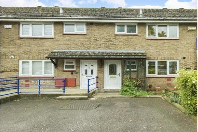 3 Bedroom Terraced House To Rent In Glengall Road London