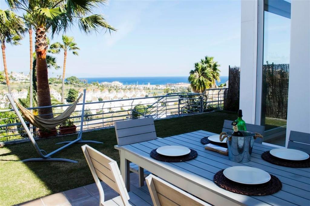 4 bed semi detached property in Duquesa, Málaga...