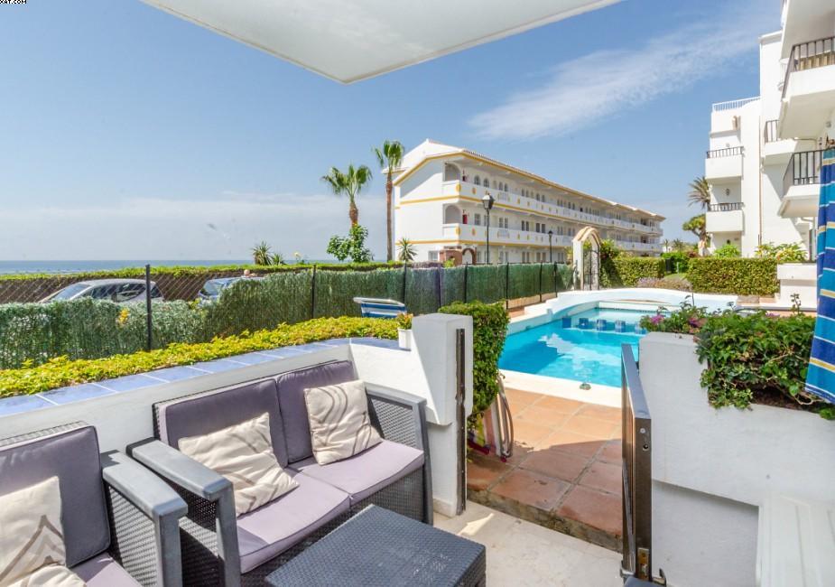 2 bed Apartment for sale in La Cala De Mijas, Málaga...
