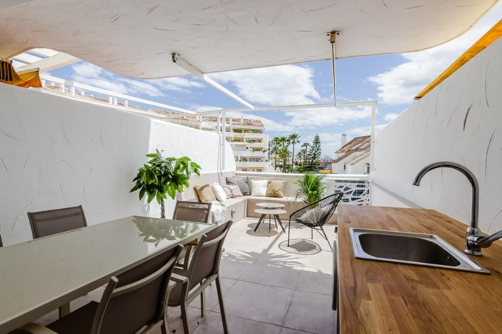 Apartment for sale in Nueva Andalucia, Málaga...