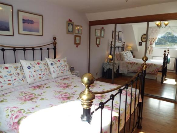 HILLCREST Master Bedroom