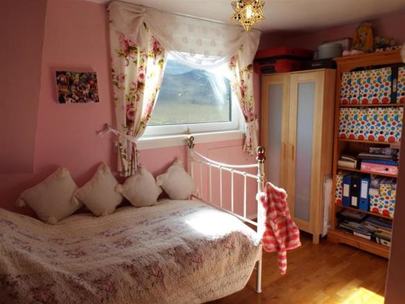 HILLCREST Bedroom