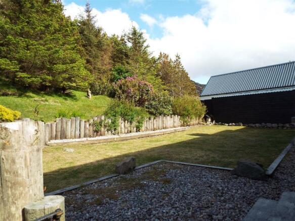HILLCREST Rear Garden