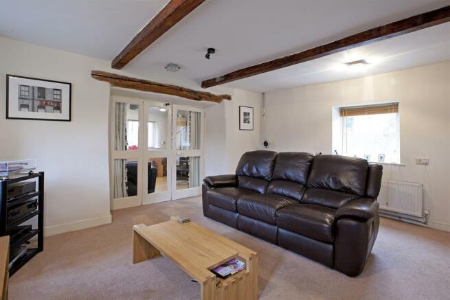 Second Reception Room Image Three