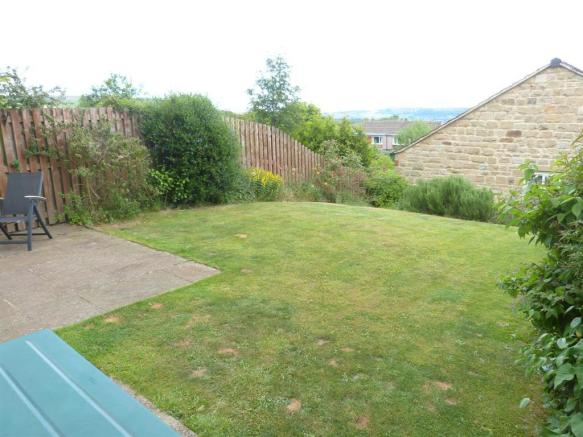 GARDEN TO THE REAR ELEVATION