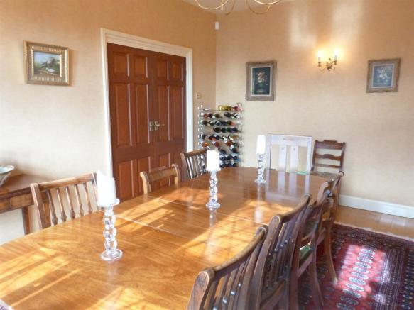 FORMAL DINING ROOM IMAGE TWO