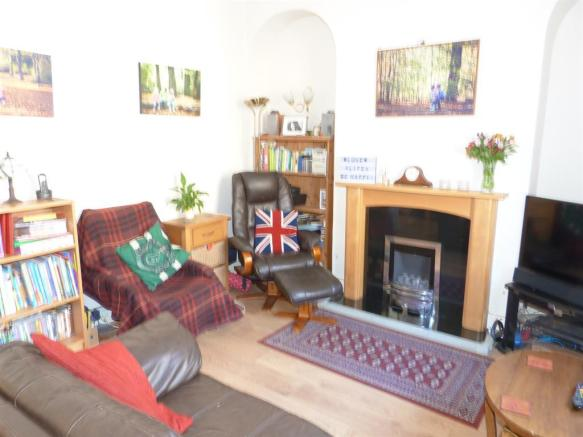 LIVING ROOM IMAGE TWO
