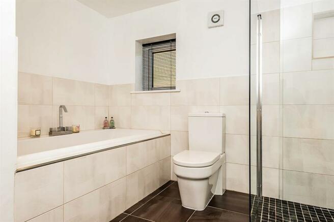 HOUSE BATHROOM IMAGE TWO
