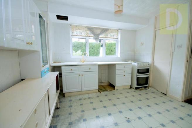 10NEWBOLD-kitchen.jpg