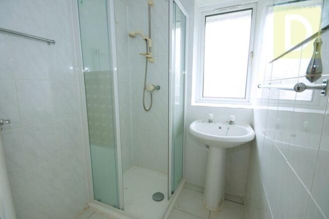 10NEWBOLD-bath.jpg