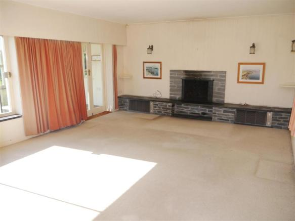 tranters living room.JPG