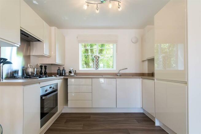 Doulton-Brook - kitchen - apartment-show-home-22
