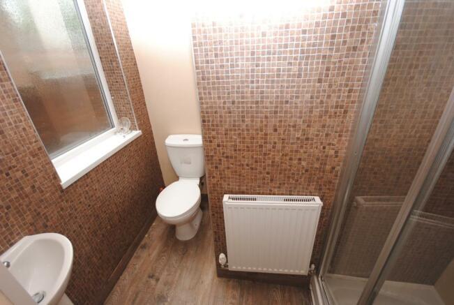 5 - 45 OS - Shower 1