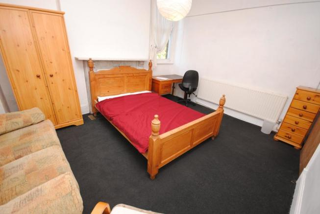 6 - Bed - 5 CR
