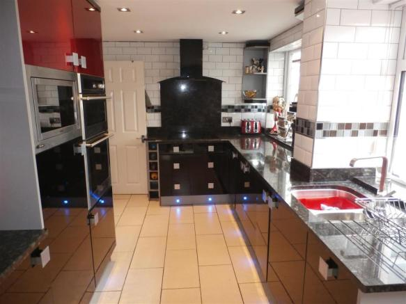 Re-Fitted Modern Kitchen