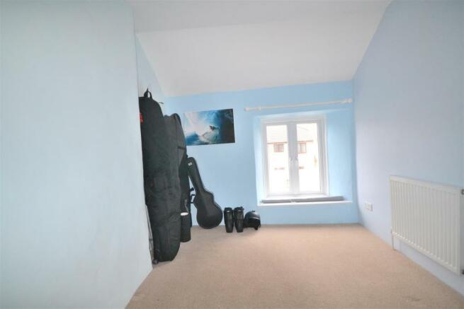 Bedroom 2 aspect.JPG