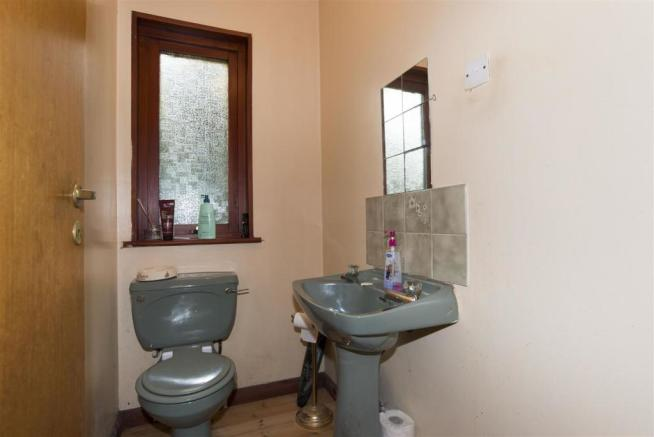 downstairs-cloakroom