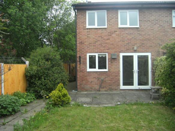 2 bedroom mews house to rent in Thistledown Close
