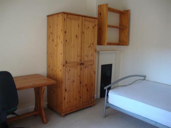 13 Palatine bedroom 2.JPG
